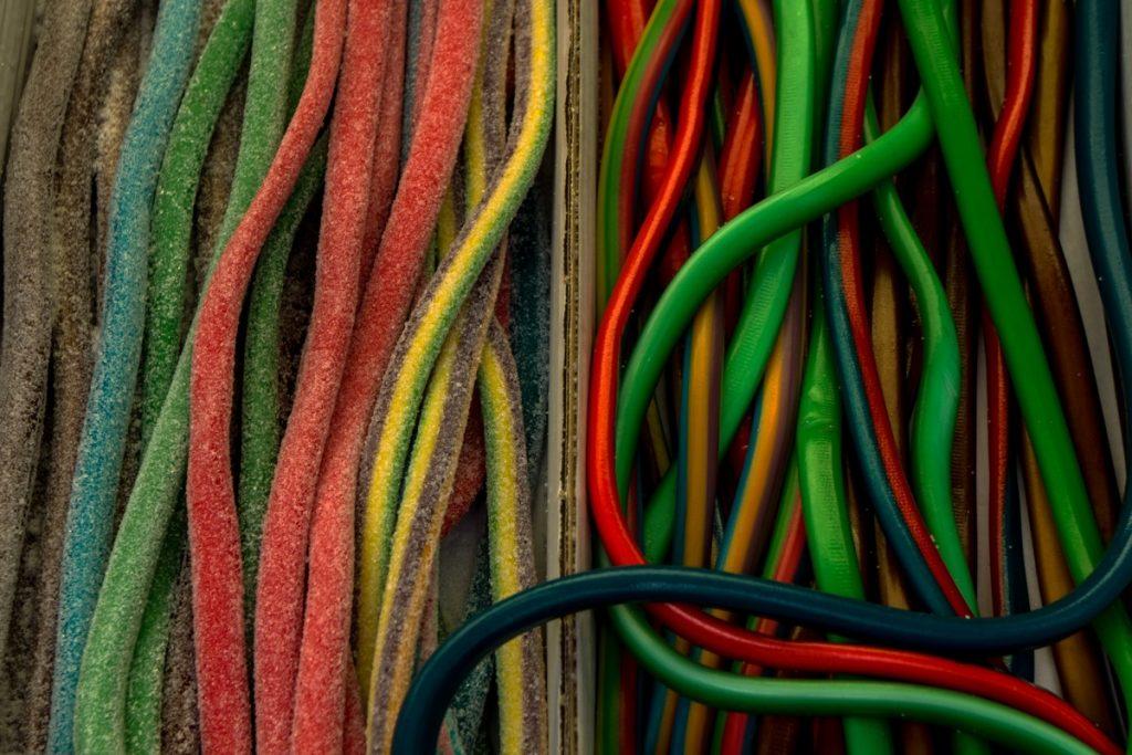 Fils électriques : les codes couleurs à connaître