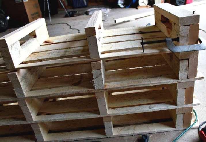 Réaliser une boîte à chaussures avec des palettes en bois
