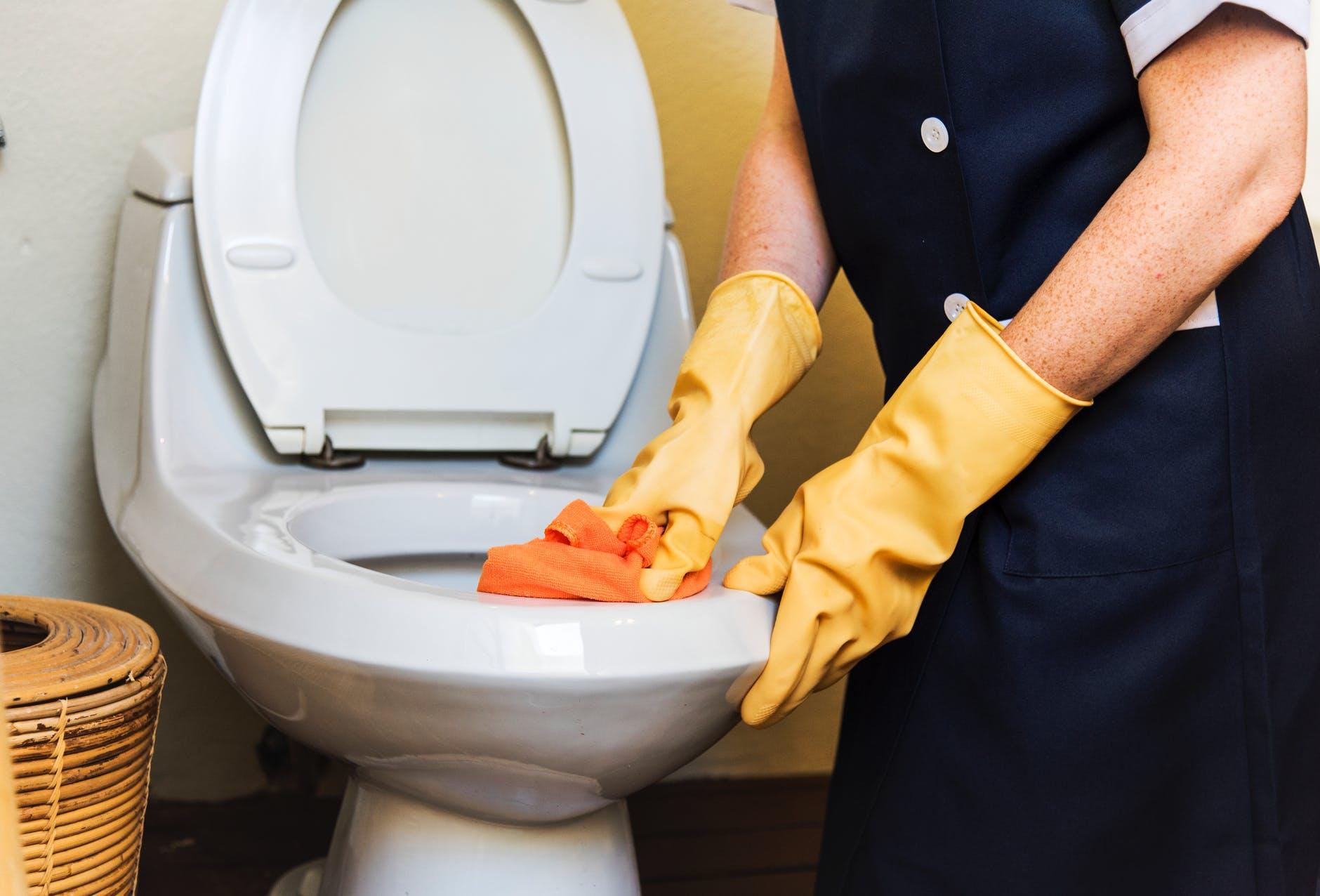 Pourquoi mes toilettes fonctionnent-elles constamment?