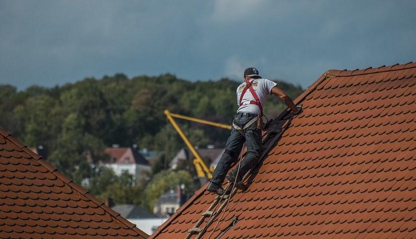 Comment isoler une toiture grace au sarking?